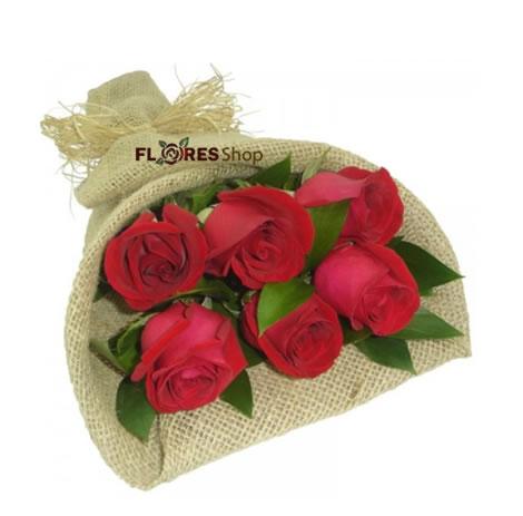 1854 Mini Ramalhete com 6 Rosas
